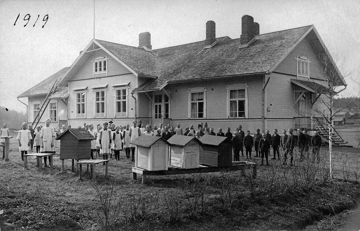 Teijon kyläkoulun seinät huokuvat historiaa